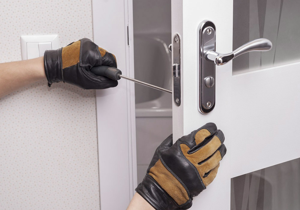 assistência técnica a portas Dierre no  Seixal